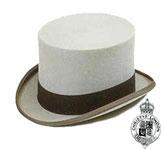 <ul>  <li>Traditional coaching top hat</li>  <li>100% fur felt</li>  <li>Fully lined</li>  <li>5 inch crown</li>  <li>Includes Christys' hat box</li></ul>